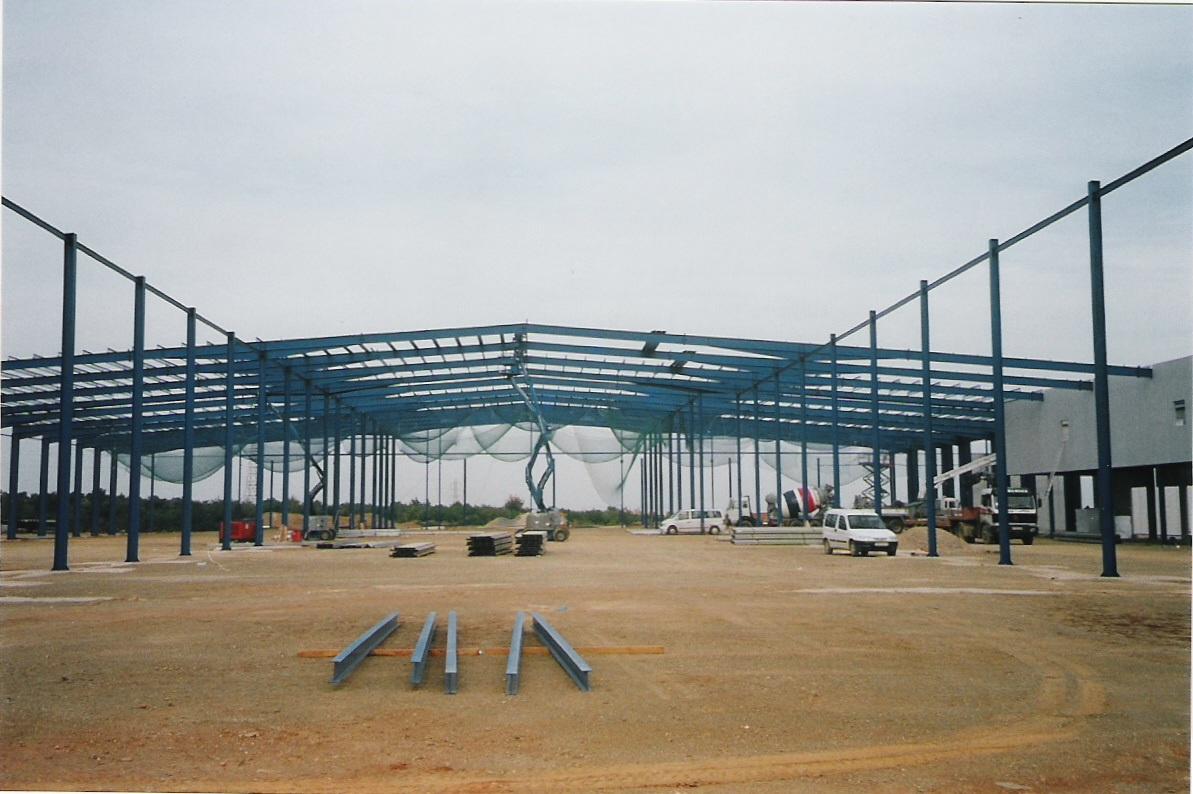Construcción estructura metálica supermercado Dia de Tarragona