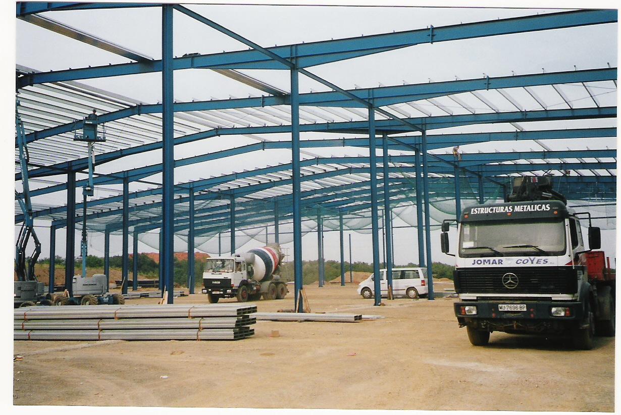Construcción nave industrial supermercado Dia de Tarragona
