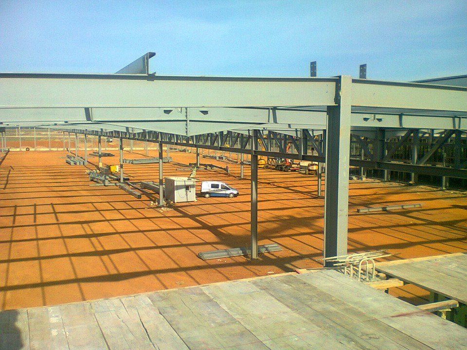 Obra nave industrial Lear Corporation