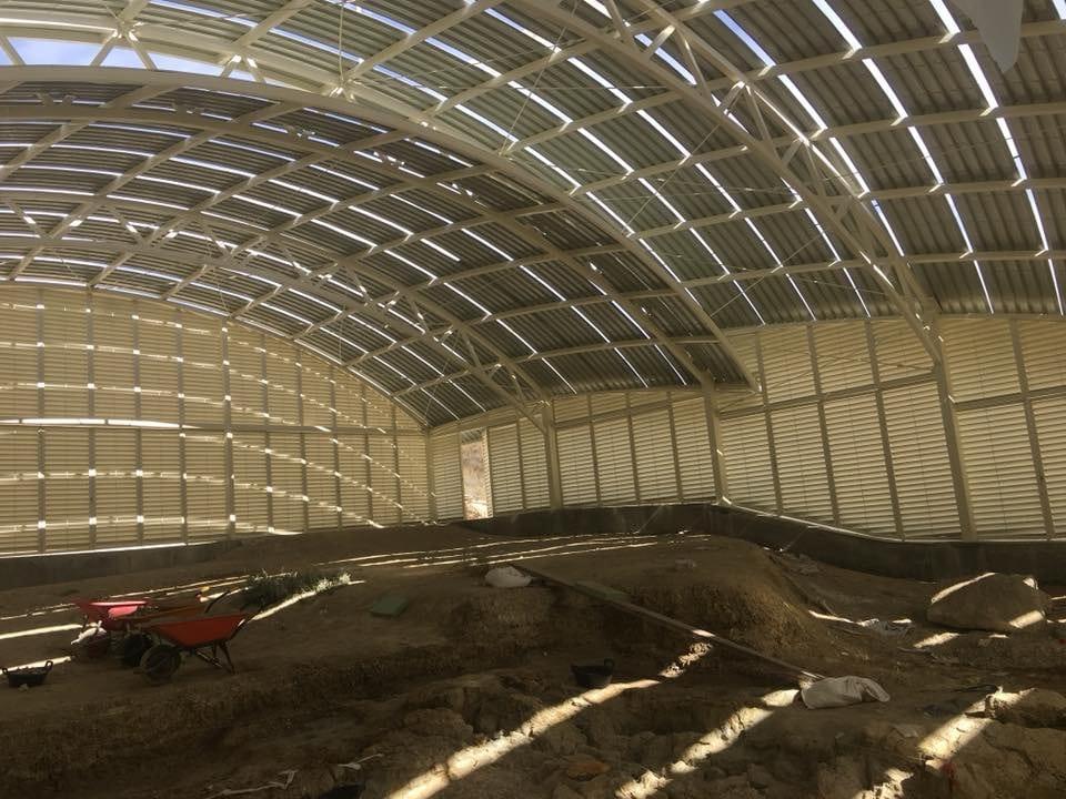 Obras en nave con estructura de cúpula en Orce